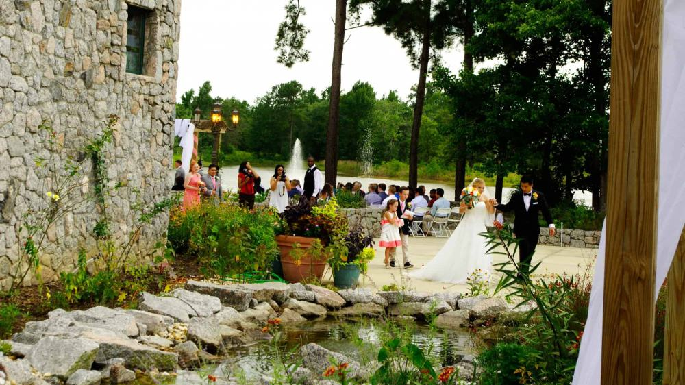 Lake view-wedding-ceremony-at-Mariani-venue-2048-11-8-4