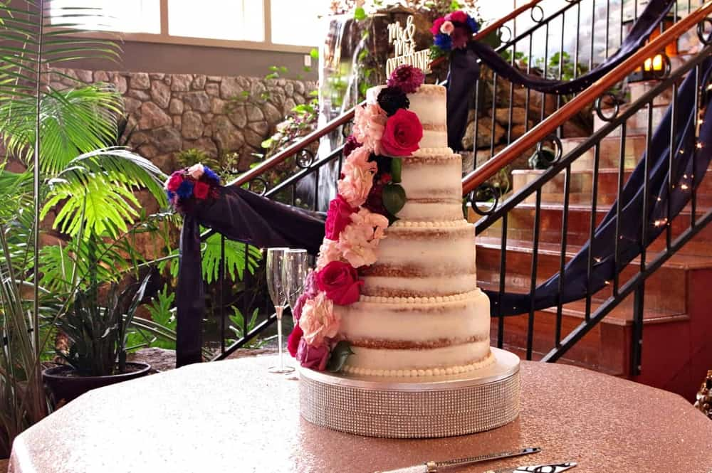 wedding-cake-at-Marianis-Venue-6-22-19-2048