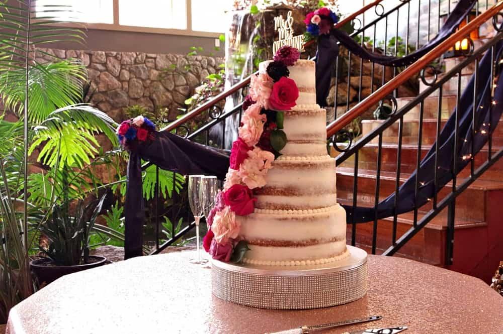 wedding-cake-at-Marianis-Venue-6-22-19-2048