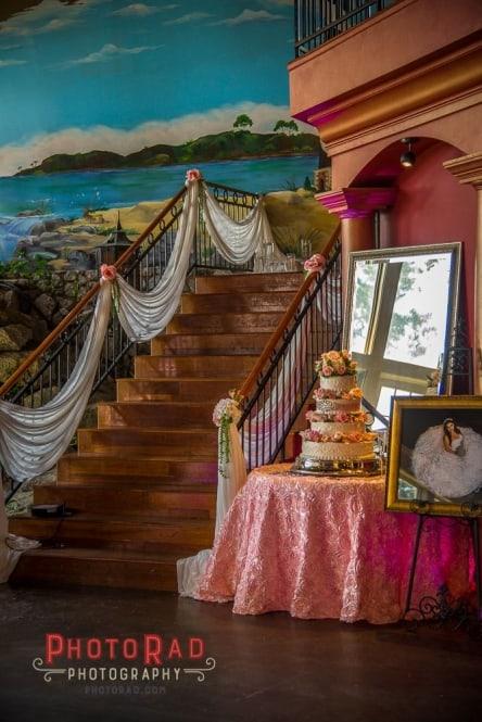wedding cake at Mariani's venue 2017