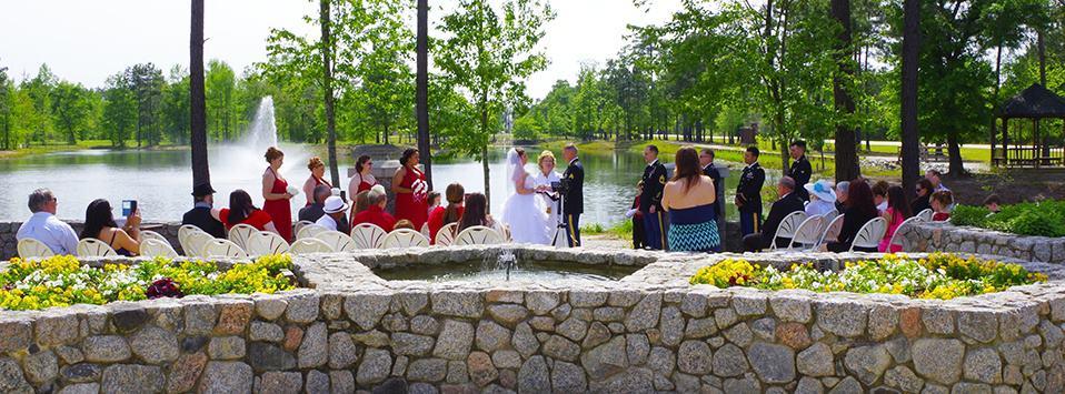 lakeside wedding ceremony at Mariani's venue